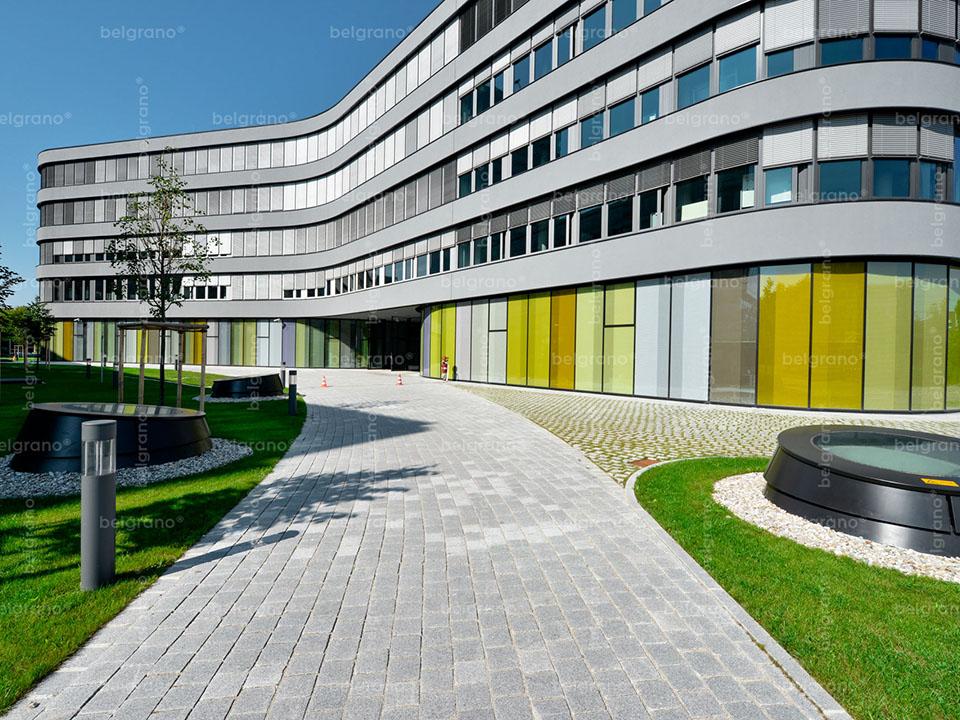 München   ADAC-Zentrale – Außenanlagen